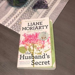 The Husbands Secret by Liane Moriarty